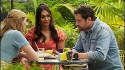 Mackenzie Hargreaves, Dipi Rebecchi, Shane Rebecchi in Neighbours Episode 8568