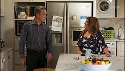Paul Robinson, Terese Willis in Neighbours Episode 8569