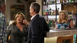 Karl Kennedy, Terese Willis, Paul Robinson, Sheila Canning in Neighbours Episode 8570