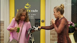 Jane Harris, Roxy Willis in Neighbours Episode 8570