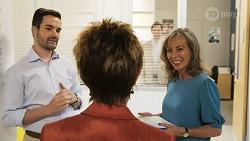 Curtis Perkins, Susan Kennedy, Finn Kelly, Jane Harris in Neighbours Episode 8572