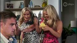 Kyle Canning, Sheila Canning, Roxy Willis in Neighbours Episode 8576