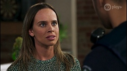Bea Nilsson, Levi Canning in Neighbours Episode 8577