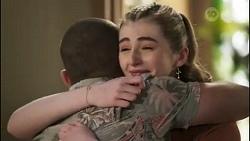 Toadie Rebecchi, Mackenzie Hargreaves in Neighbours Episode 8582