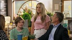 Terese Willis, Emmett Donaldson, Roxy Willis, Paul Robinson in Neighbours Episode 8586