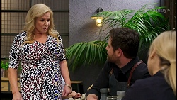 Sheila Canning, Shane Rebecchi, Roxy Willis in Neighbours Episode 8587