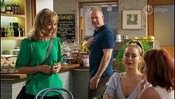 Jane Harris, Clive Gibbons, Chloe Brennan, Nicolette Stone in Neighbours Episode 8588