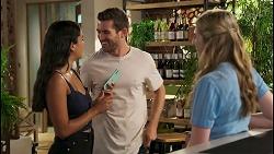 Yashvi Rebecchi, Ned Willis, Mackenzie Hargreaves in Neighbours Episode 8588