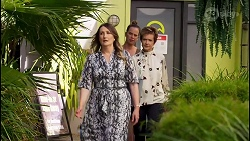 Olivia Bell, Bea Nilsson, Susan Kennedy in Neighbours Episode 8589