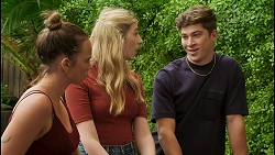 Bea Nilsson, Mackenzie Hargreaves, Hendrix Greyson in Neighbours Episode 8591