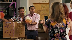 Aaron Brennan, David Tanaka, Jane Harris, Nicolette Stone, Chloe Brennan in Neighbours Episode 8591