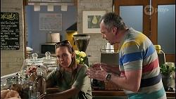 Bea Nilsson, Karl Kennedy in Neighbours Episode 8601