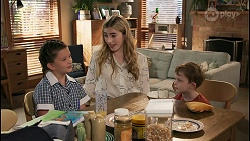 Nell Rebecchi, Mackenzie Hargreaves, Hugo Somers in Neighbours Episode 8604