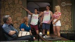 Paul Robinson, Terese Willis, Jesse Porter, Kyle Canning, Roxy Willis in Neighbours Episode 8610
