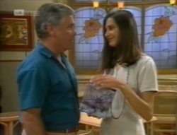Lou Carpenter, Sally Pritchard in Neighbours Episode 2143