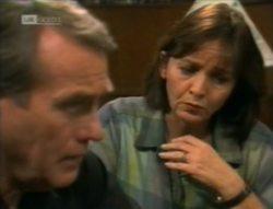 Doug Willis, Pam Willis in Neighbours Episode 2143