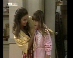Julie Martin, Hannah Martin in Neighbours Episode 2152