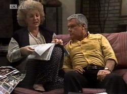 Cheryl Stark, Lou Carpenter in Neighbours Episode 2153