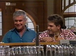 Lou Carpenter, Mark Gottlieb in Neighbours Episode 2153