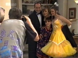 Philip Martin, Debbie Martin, Hannah Martin, Julie Martin in Neighbours Episode 2153