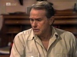 Doug Willis in Neighbours Episode 2154