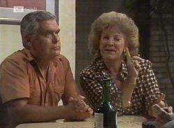 Lou Carpenter, Cheryl Stark in Neighbours Episode 2155