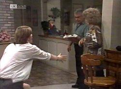 Brett Stark, Lou Carpenter, Cheryl Stark in Neighbours Episode 2155