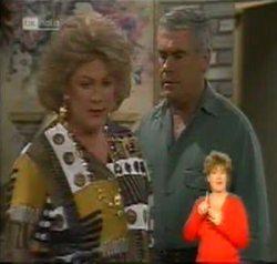Cheryl Stark, Lou Carpenter in Neighbours Episode 2156