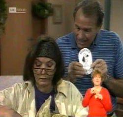 Pam Willis, Doug Willis in Neighbours Episode 2157