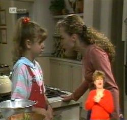 Hannah Martin, Debbie Martin in Neighbours Episode 2157