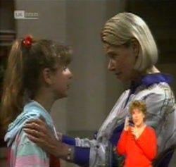 Hannah Martin, Helen Daniels in Neighbours Episode 2158