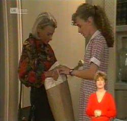 Helen Daniels, Debbie Martin in Neighbours Episode 2158