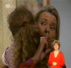 Debbie Martin, Helen Daniels in Neighbours Episode 2158