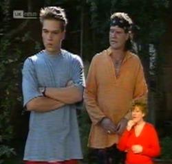 Mark Gottlieb, Dave Gottlieb in Neighbours Episode 2159