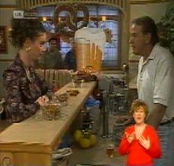 Gaby Willis, Doug Willis in Neighbours Episode 2159