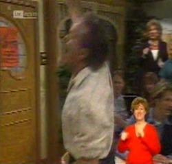 Doug Willis, Cheryl Stark in Neighbours Episode 2159