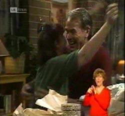 Pam Willis, Doug Willis in Neighbours Episode 2160