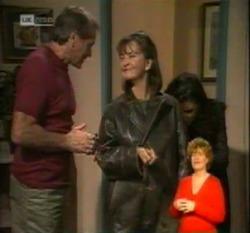 Doug Willis, Pam Willis, Gaby Willis in Neighbours Episode 2160