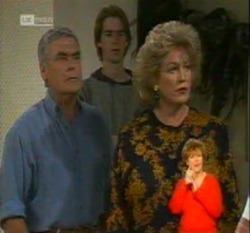 Lou Carpenter, Brett Stark, Cheryl Stark in Neighbours Episode 2160