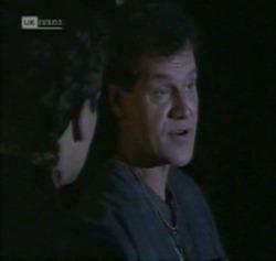 Mark Gottlieb, Dave Gottlieb in Neighbours Episode 2161