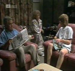 Lou Carpenter, Cheryl Stark, Brett Stark in Neighbours Episode 2161