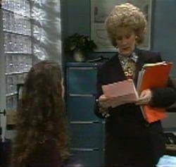 Gaby Willis, Cheryl Stark in Neighbours Episode 2161