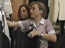 Cody Willis, Debbie Martin in Neighbours Episode 2162