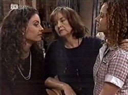 Gaby Willis, Pam Willis, Cody Willis in Neighbours Episode 2162