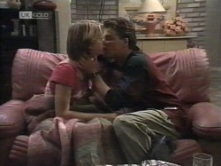 Danni Stark, Michael Martin in Neighbours Episode 2164