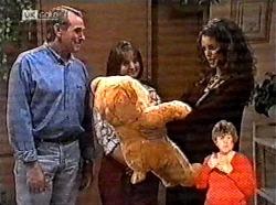 Doug Willis, Pam Willis, Gaby Willis in Neighbours Episode 2165
