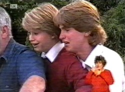 Lou Carpenter, Danni Stark, Brett Stark in Neighbours Episode 2168