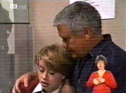 Danni Stark, Lou Carpenter in Neighbours Episode 2168