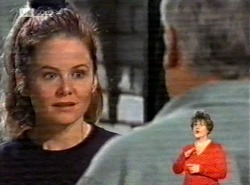 Julie Martin, Lou Carpenter in Neighbours Episode 2168