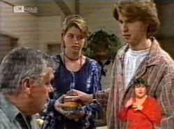 Lou Carpenter, Danni Stark, Brett Stark in Neighbours Episode 2169